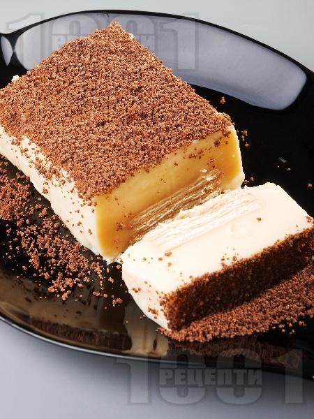 Бисквитена торта с желиран крем праскова - снимка на рецептата